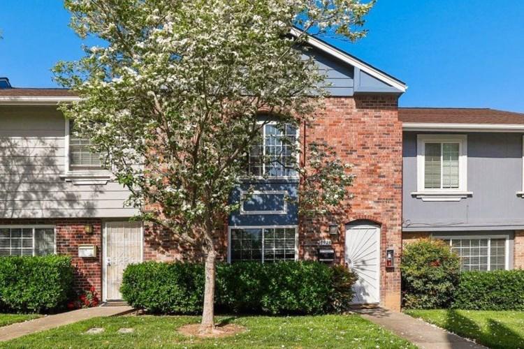 3913 Oak Villa Circle, Carmichael, CA 95608