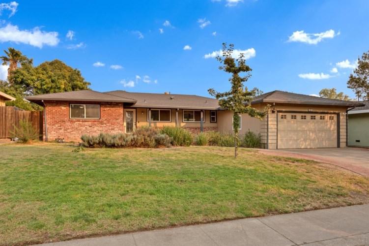 6561 Chetwood Way, Sacramento, CA 95831