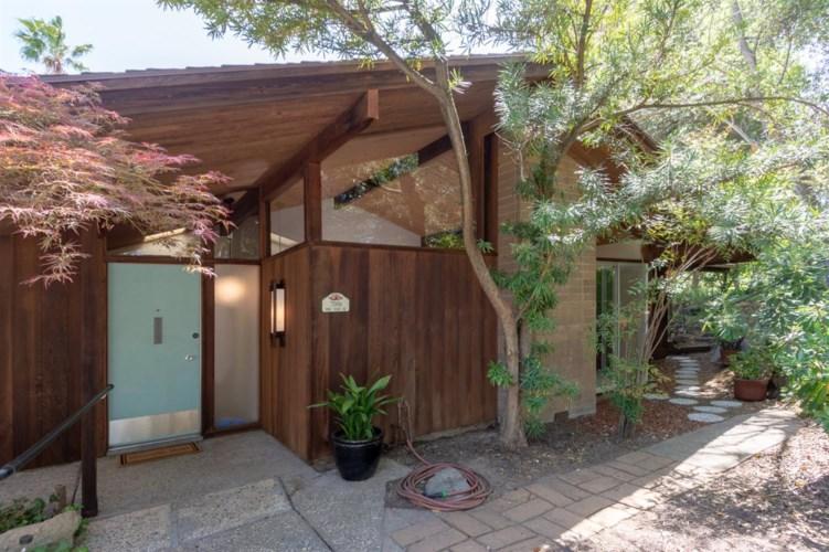 7061 Pine View Drive, Folsom, CA 95630