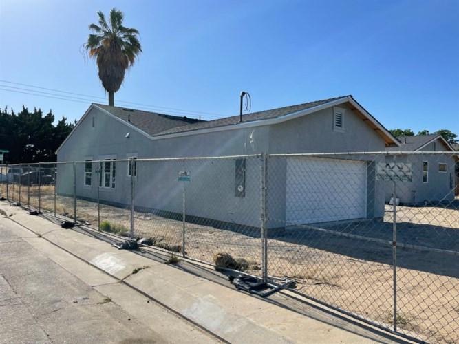 205 S Sherman Avenue, Manteca, CA 95336