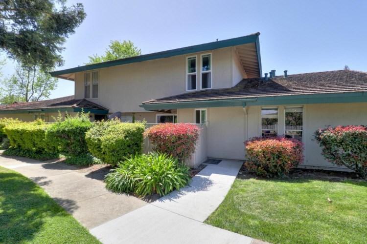 107 Roundtree Court, Sacramento, CA 95831