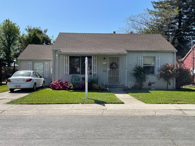 916 Jewell Avenue, Yuba City, CA 95991