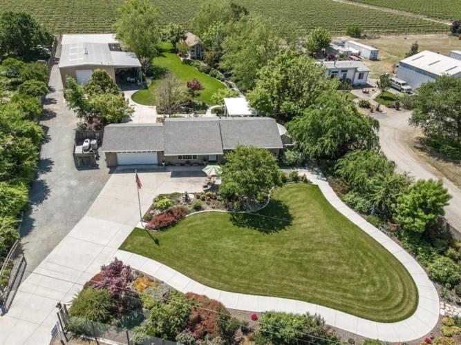3160 E Woodson Road, Acampo, CA 95220