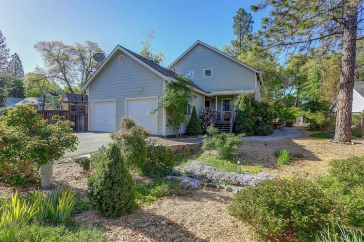 16807 Oak Hollow Circle, Nevada City, CA 95959