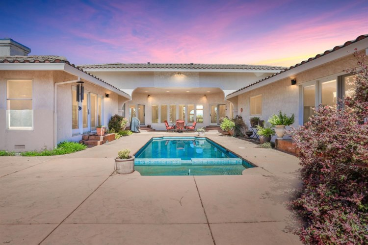 3241 Campbell Circle, Rescue, CA 95672