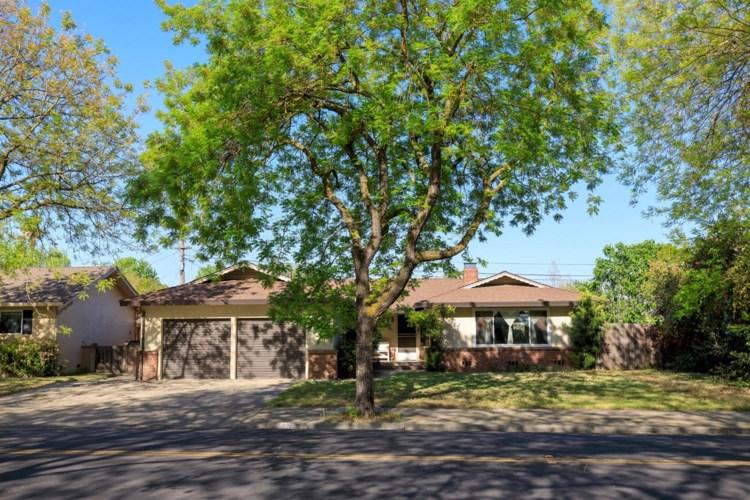 2205 College Avenue, Modesto, CA 95350