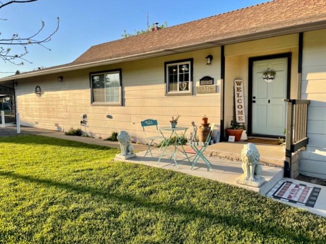 7737 Gilbert Road, Oakdale, CA 95361