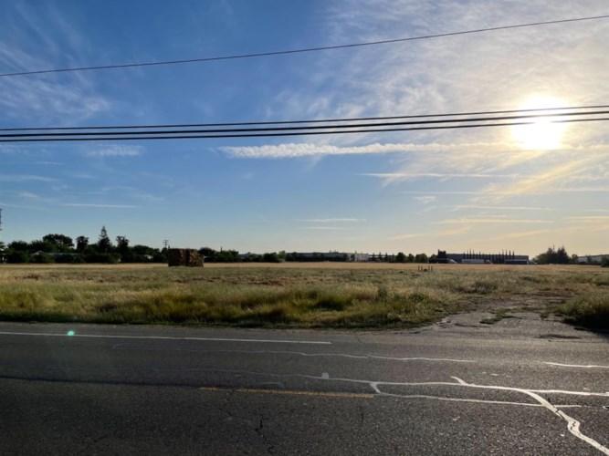 940 N Lincoln Way, Galt, CA 95632