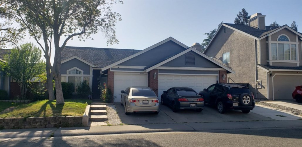 8212 Newbury Park Court, Sacramento, CA 95828
