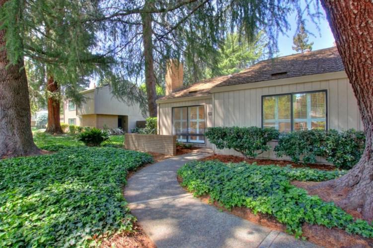 1422 Commons Drive, Sacramento, CA 95825