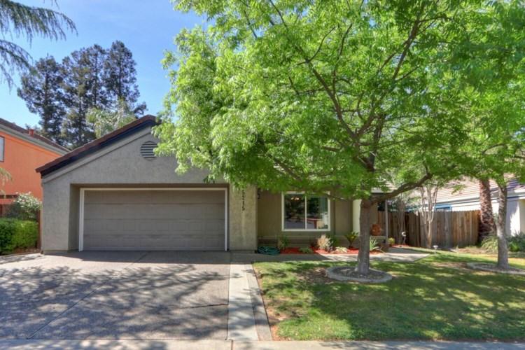 5215 Dipper Way, Elk Grove, CA 95758