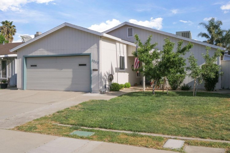 2253 Newbury Circle, Lodi, CA 95240