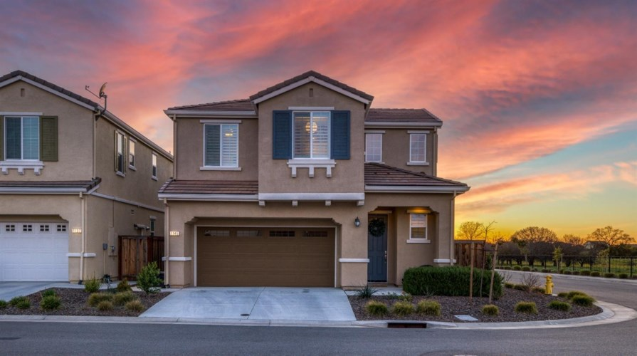 1145 Oakbriar Circle, Roseville, CA 95747
