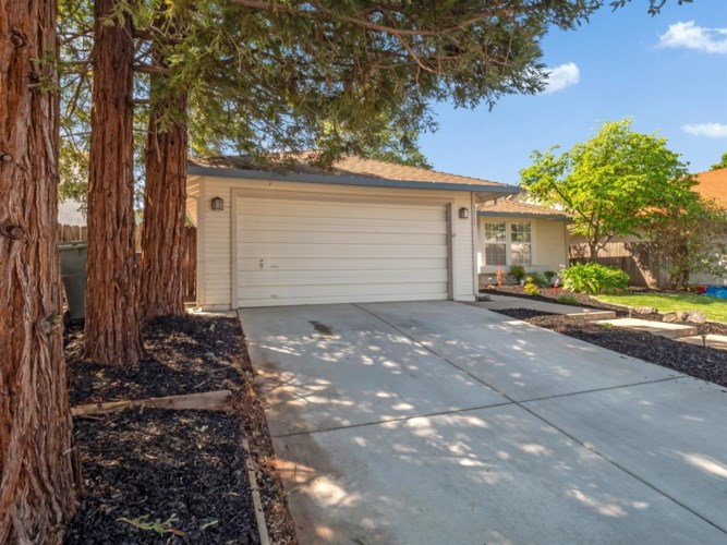 9060 Geyser Peak Way, Sacramento, CA 95829
