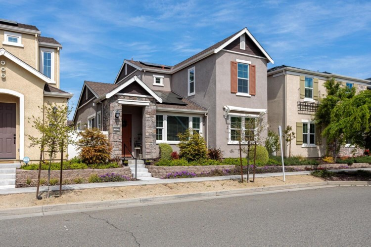 1025 Provence Village Drive, Roseville, CA 95747