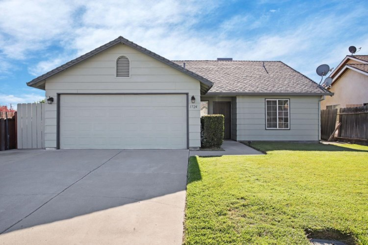 1724 S School Street, Lodi, CA 95240