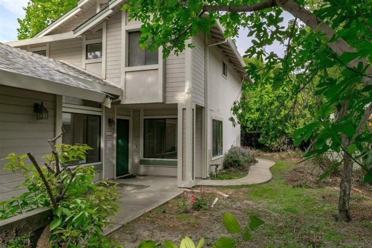 7421 Deltawind Drive, Sacramento, CA 95831