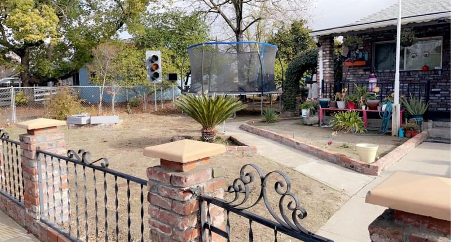 230 Acacia Avenue, Manteca, CA 95336