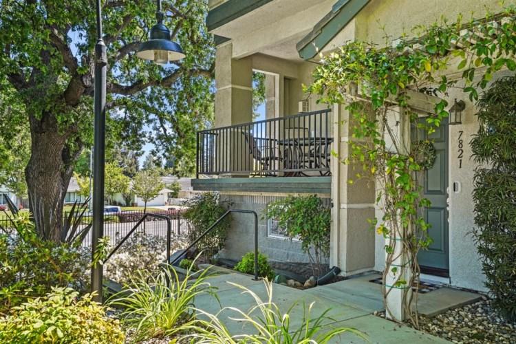 7821 Park River Oak Circle, Sacramento, CA 95831