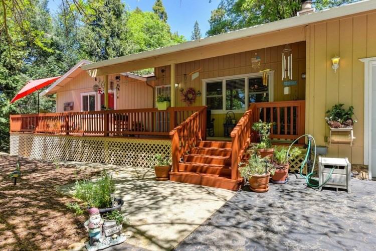6504 Green Leaf Lane, Foresthill, CA 95631