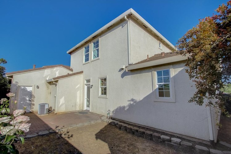 821 Bussing Court, Folsom, CA 95630