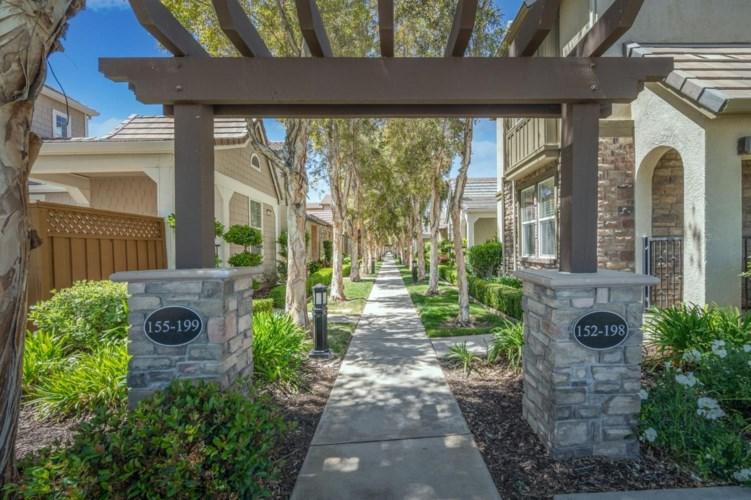 152 W Santa Cruz Way, Mountain House, CA 95391