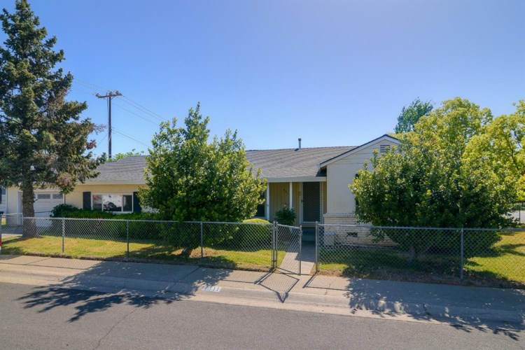 4611 Attawa Avenue, Sacramento, CA 95822