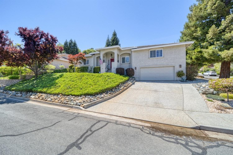 1010 Fox Run Court, Auburn, CA 95603