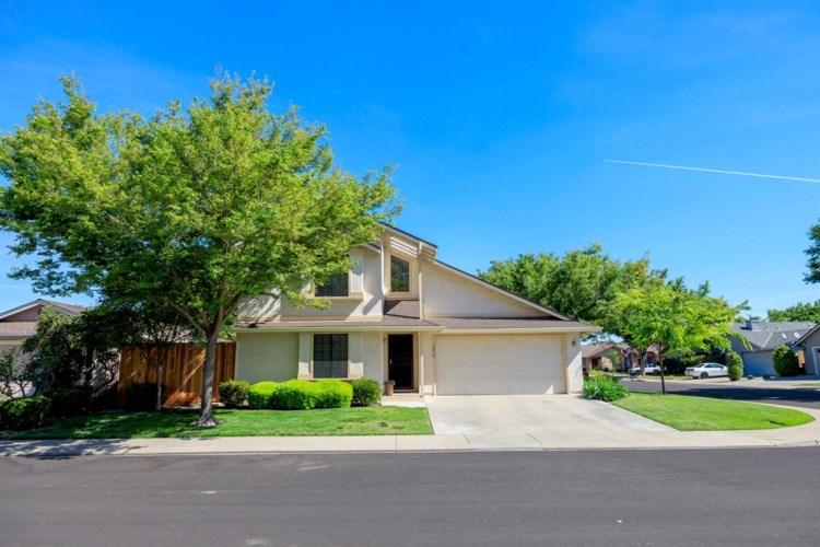2405 Seaglen Drive, Modesto, CA 95355