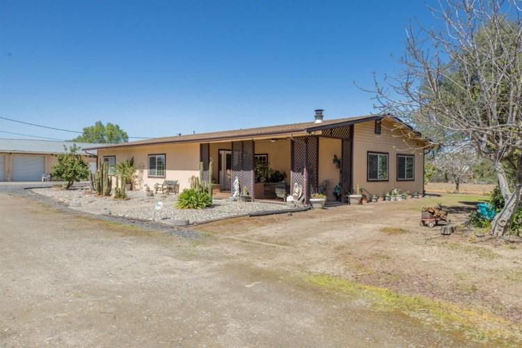 10007 Cleveland Avenue, Oakdale, CA 95361