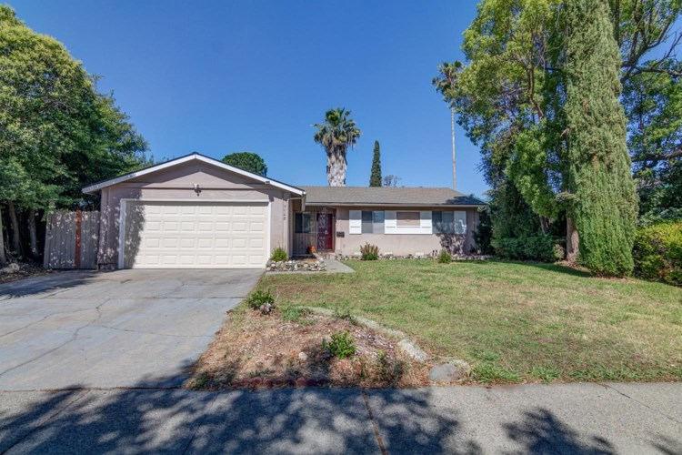7548 32nd Street, Sacramento, CA 95822