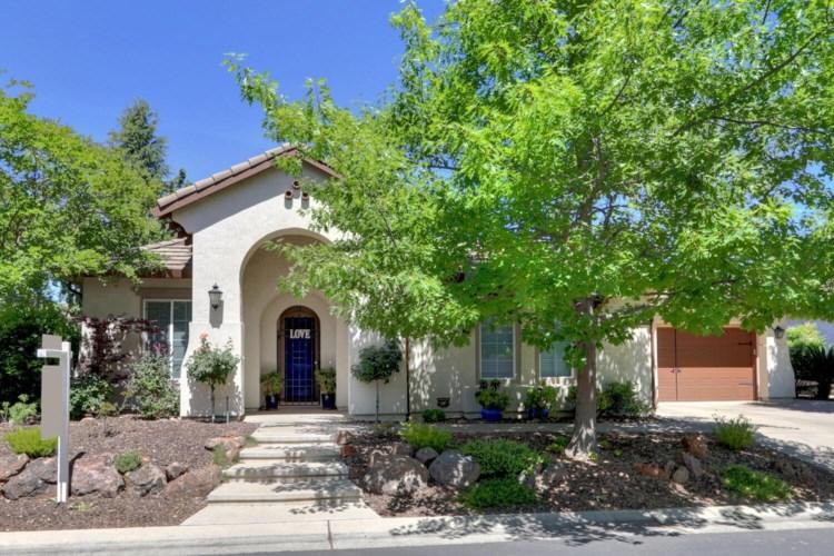 831 Hawkcrest Circle, Sacramento, CA 95835