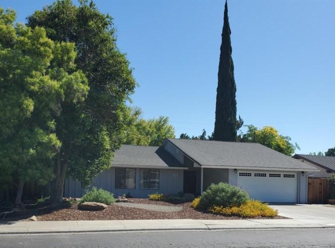 732 Page Avenue, Los Banos, CA 93635