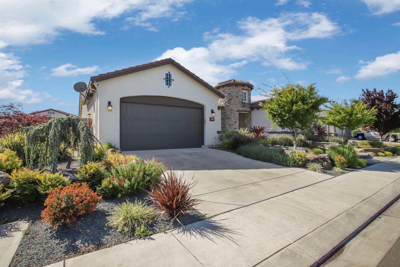 1096 Clearwater Creek Boulevard , Manteca, CA 95336