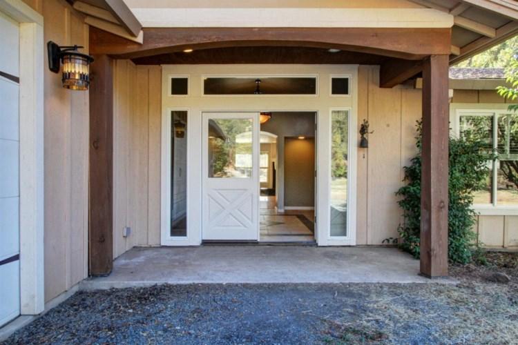 10379 Wolf Drive, Grass Valley, CA 95949