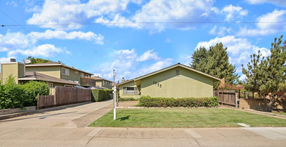 1735 W Lockeford Street, Lodi, CA 95242