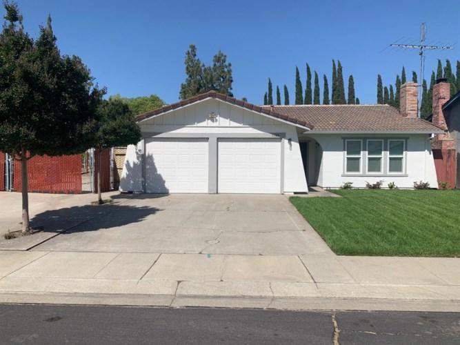 1125 Devonshire Avenue, Manteca, CA 95336