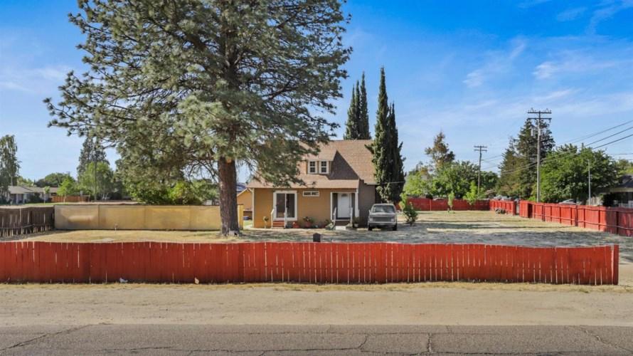1578 East Avenue, Turlock, CA 95380
