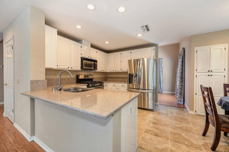 8518 TWIN TRAILS Drive, Antelope, CA 95843