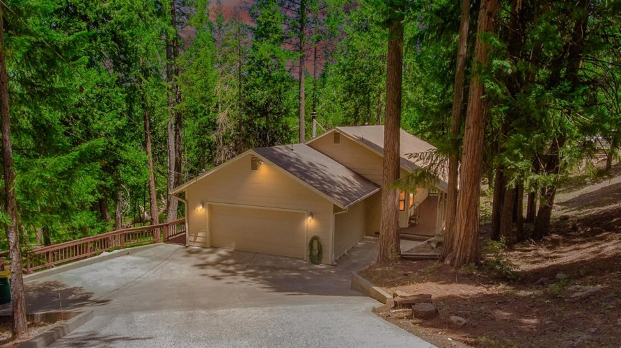 6121 Speckled Road, Pollock Pines, CA 95726