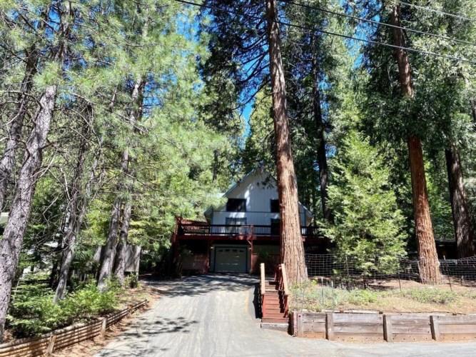 6185 Salmon Way, Pollock Pines, CA 95726
