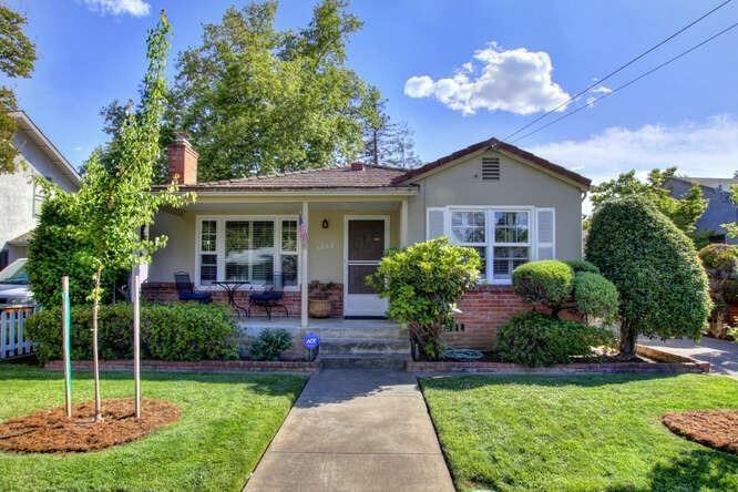 5262 L, Sacramento, CA 95819