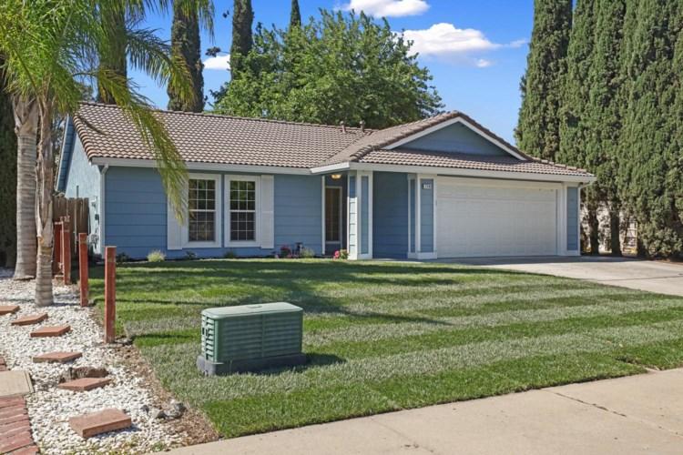 230 W Willow Creek Drive, Tracy, CA 95376