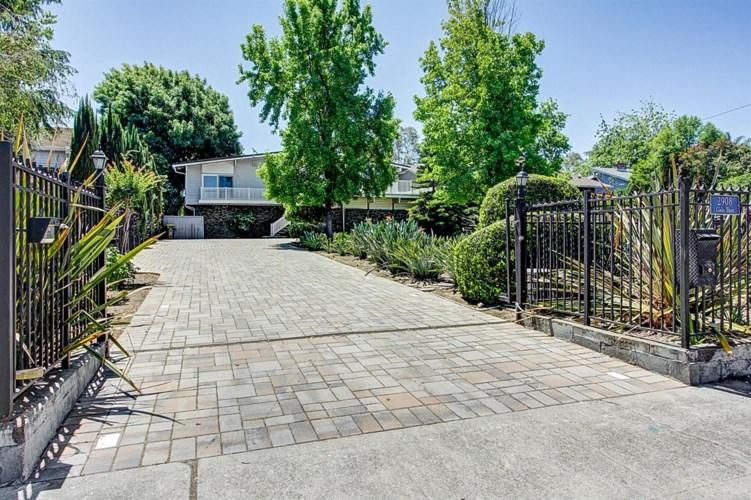 2908 Canal Drive, Stockton, CA 95204
