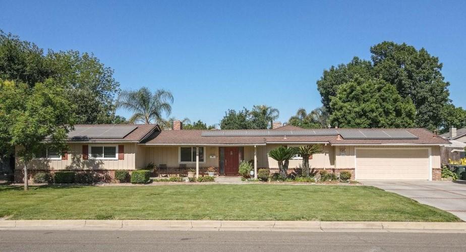 697 West Avenue, Gustine, CA 95322