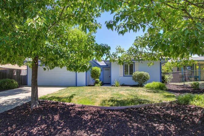 6836 Harlequin Way, Sacramento, CA 95842