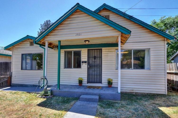 2531 Hawthorne St, Sacramento, CA 95815