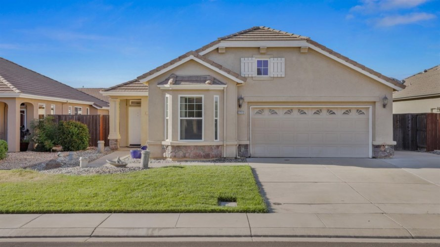 2713 Donner Trail, Riverbank, CA 95367