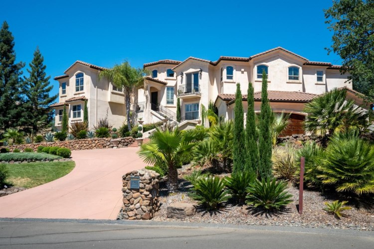 852 Whispering Winds Lane, Outside California, CA 95928
