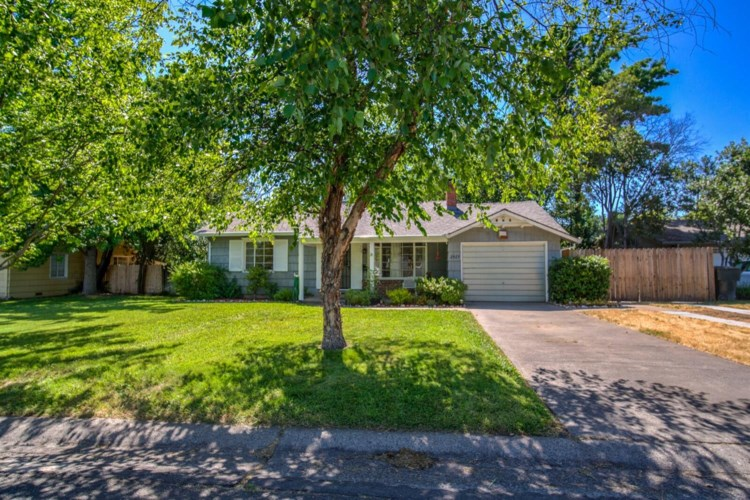2429 Morse Avenue, Sacramento, CA 95825